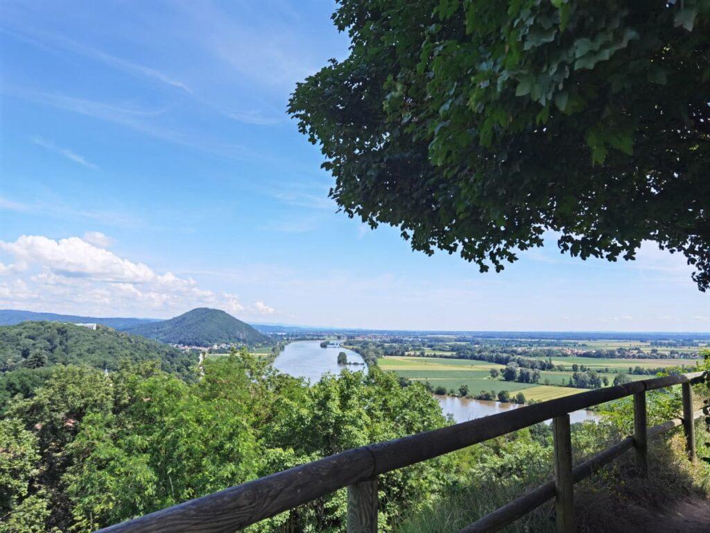 Panoramablick auf der Burgruine Donaustauf